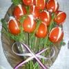 Як приготувати тюльпани з помідорів до 8 березня?