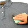 Як змити кров з одягу