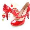 Як доглядати за лакованим взуттям