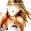 Причини болю в грудях у молодої жінки