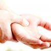 Можливі причини оніміння пальця на правій руці